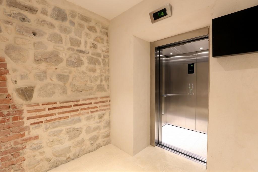 hotel slavija lift