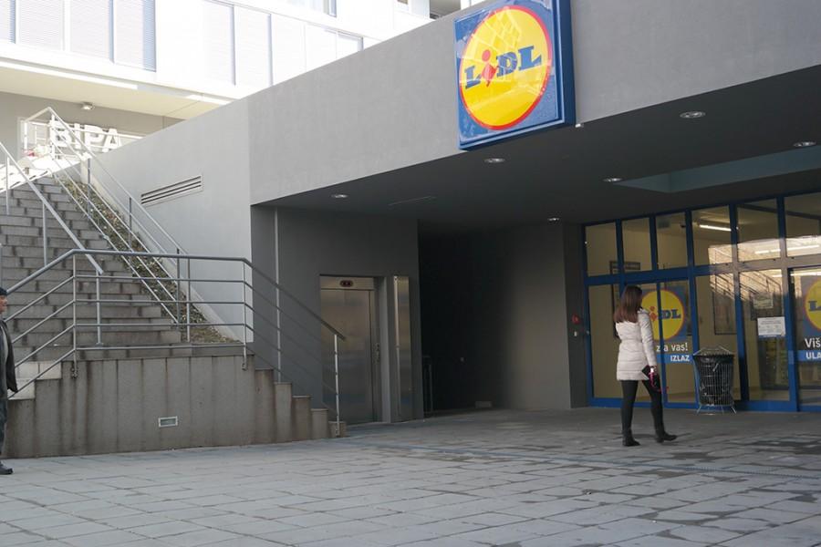 NOVA DIZALA U STAMBENO POSLOVNOM CENTRU ŠPINUT