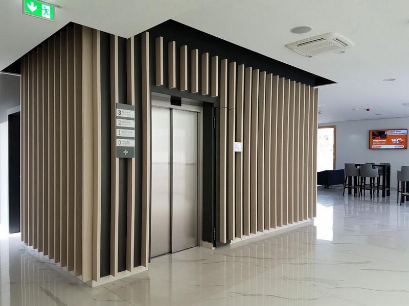Ugradnja dizala u hotel Salona Palace